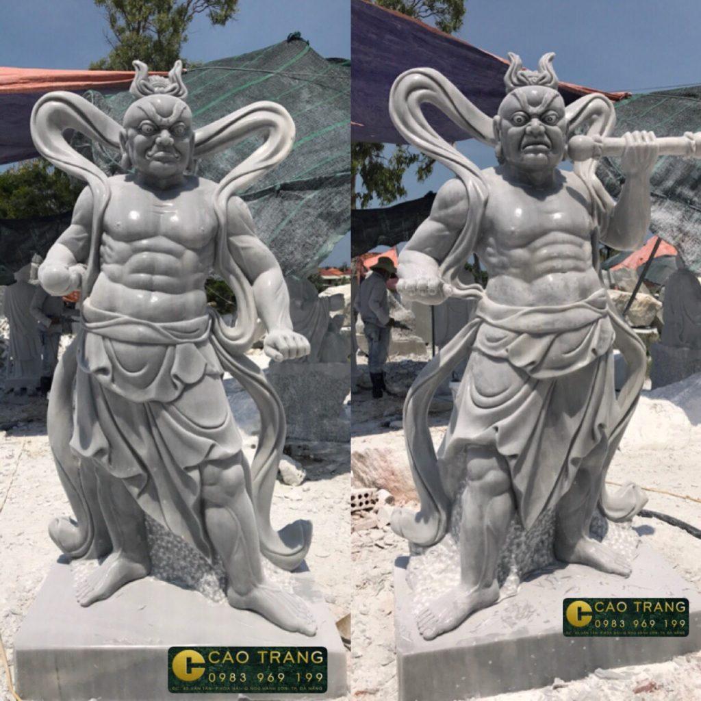 Tượng Thần Kim Cang