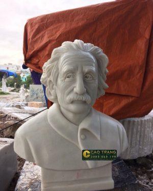 Tượng Albert Einstein