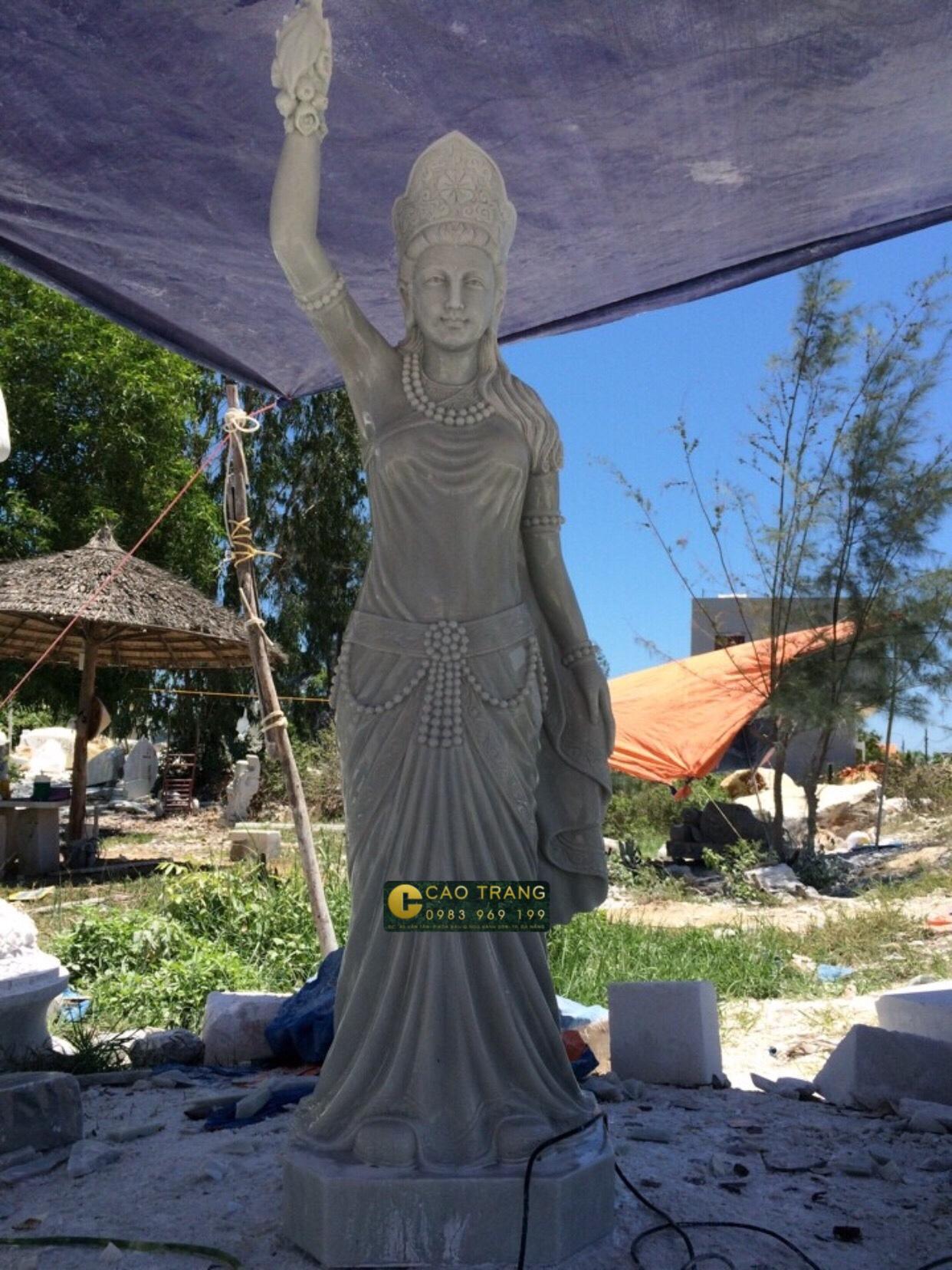 Tượng Vườn Lâm Tì Ny (SP009)