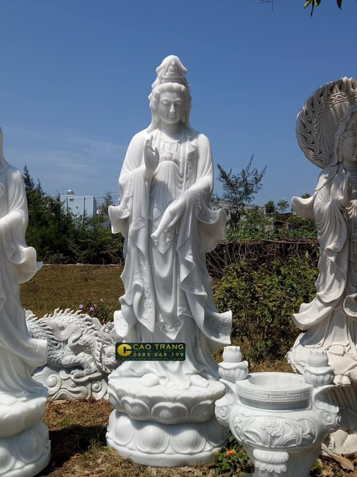 Tượng Phật Quan Thế Âm