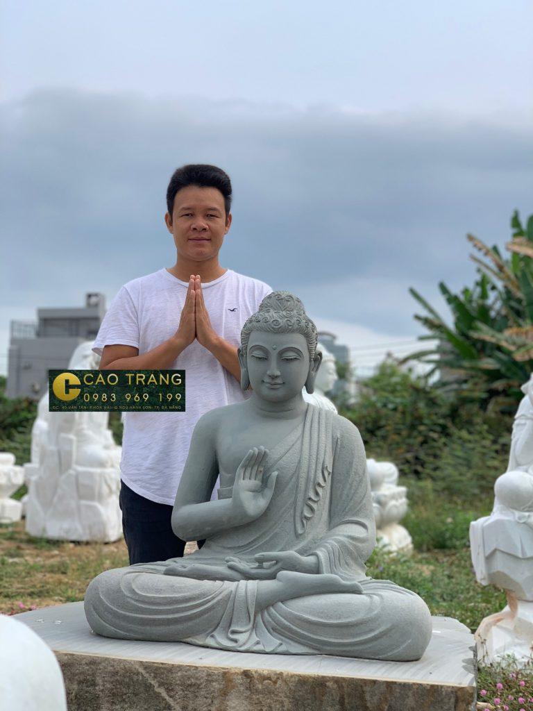Tượng Phật Thích Ca bằng đá