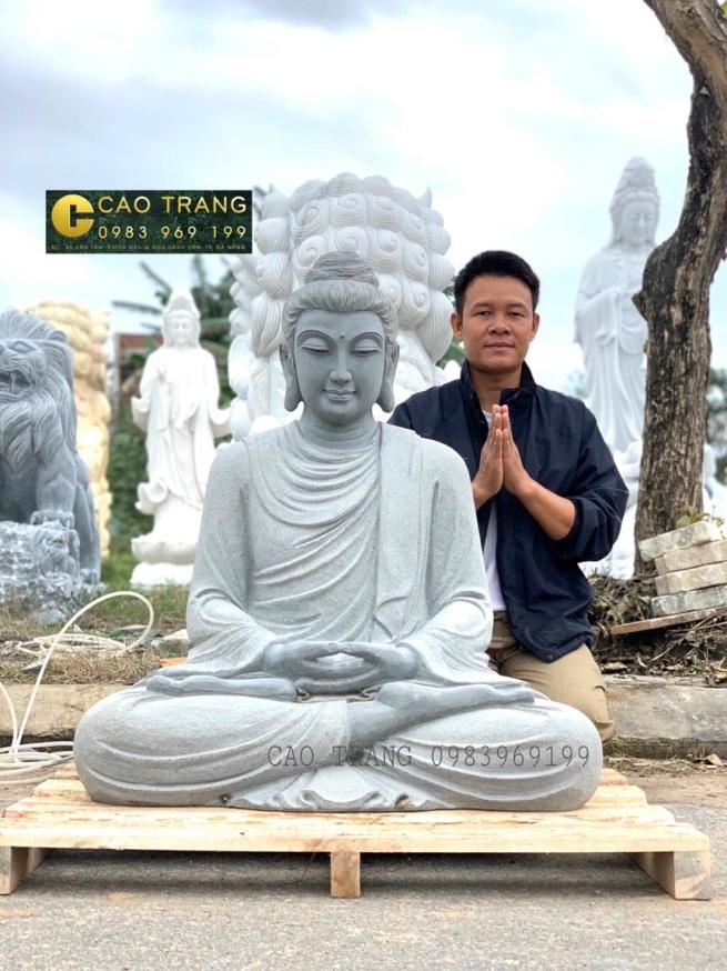 Phật Thích Ca Ngồi Dưới Cây Bồ Đề